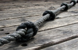 rope_w_knots_on_deck